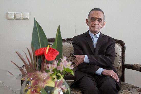 رکورد 71 سال معلمی وحیدی