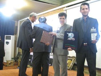 استاد وحیدی رکورد 71 سال معلمی را به ثبت ملی رساند